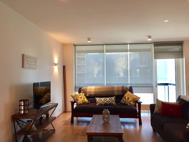Downtown apartment near everything!!! - Reykjavík - Apartment