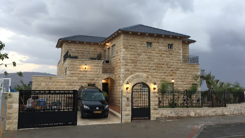 A Tuscany style get-away apartment - Afula - Byt