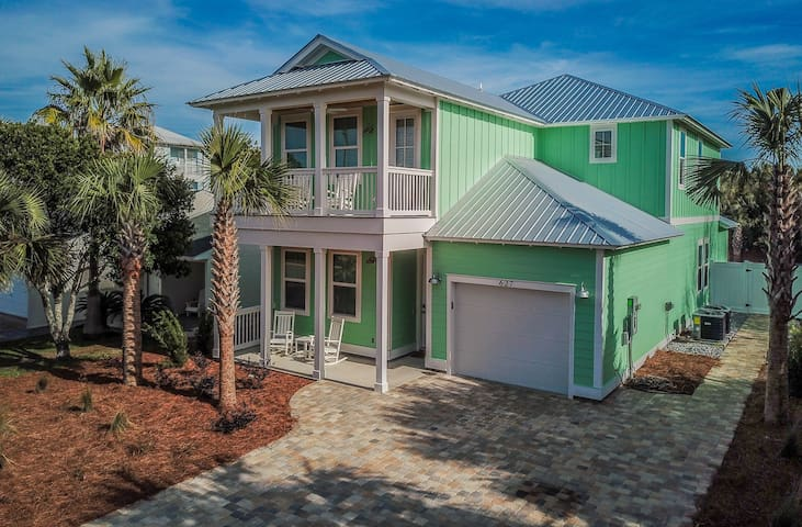 Beach Please!    5 BR with Private Pool, Sleeps 18