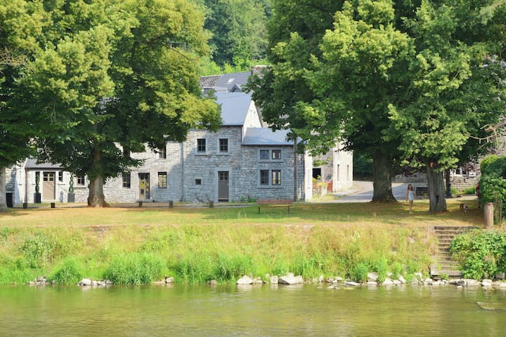 Luxury Cottage in Hamoir beside a River