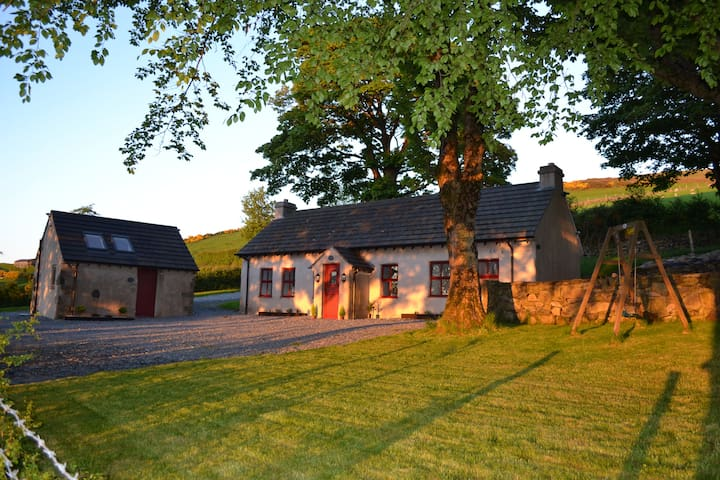 Mc Courts Cottage and Barn, Mourne Mountains