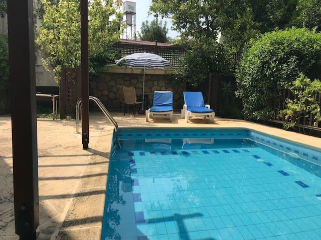 Villa Hidden Garden with private pool