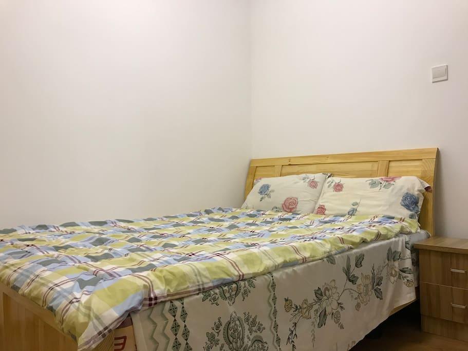 卧室带衣柜+床头柜