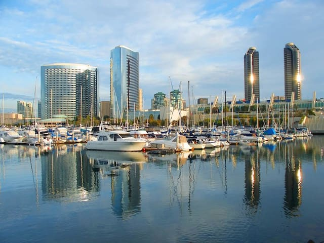 PRIVATE ROOM - BEST OF DOWNTOWN SAN DIEGO