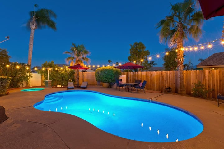 *Entertainers Paradise w/ Private Pool Oasis*