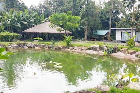 Village Green Cafe & Retreat - Cozy Cottage