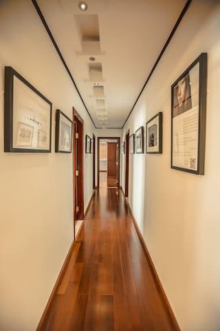 走廊私家摄影展(Corridor Host photo exhibition)