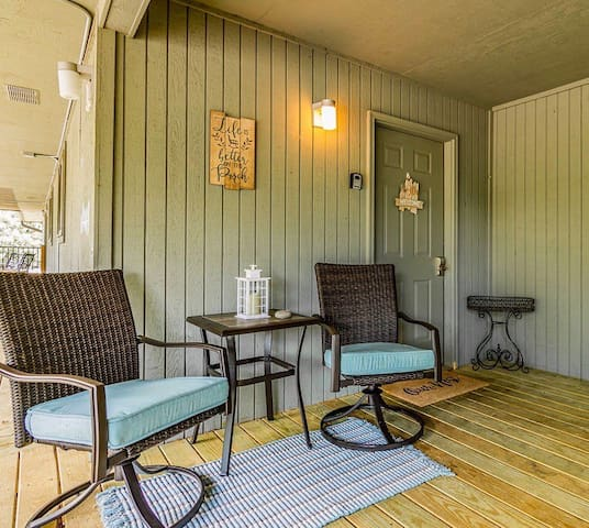 Top Notch Retreat 1 mile from Silver Dollar City!!