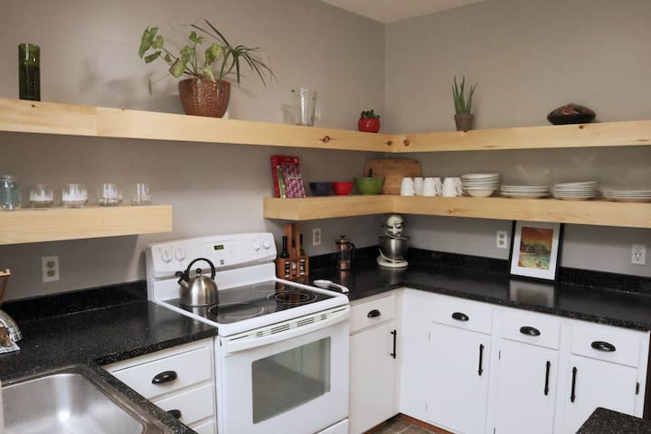 This open kitchen has everything you need!