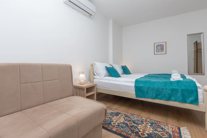 "Apartments ""Tuffo"" room3"