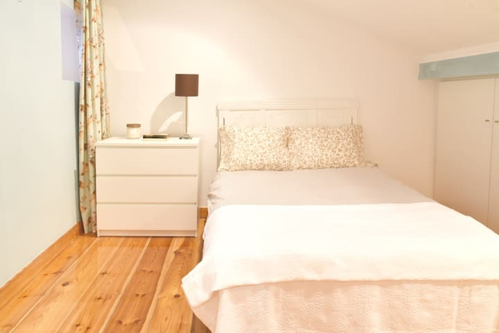 Nau Santa Catarina Duplex Lisbon Apartment - Lissabon - Huis