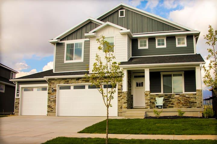 New Home Close to BYU and UVU... Golf and Biking! - Vineyard - House