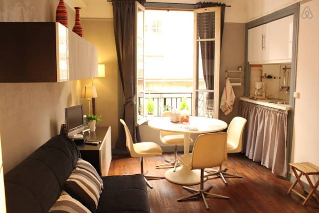Cosy studio in the heart MONTMARTRE