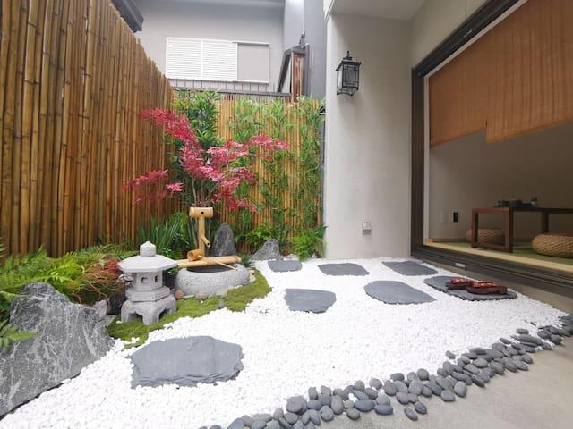 4DK House[80㎡]/ Direct to KIX and Namba~ Rakugaen~