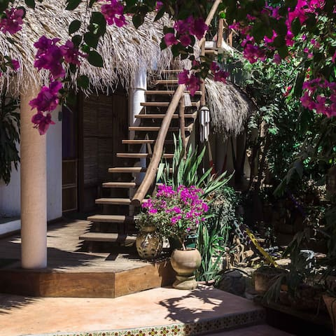 """""""Una Posada Mas"""" Casa/Jardin -Hab. 2 personas-"""