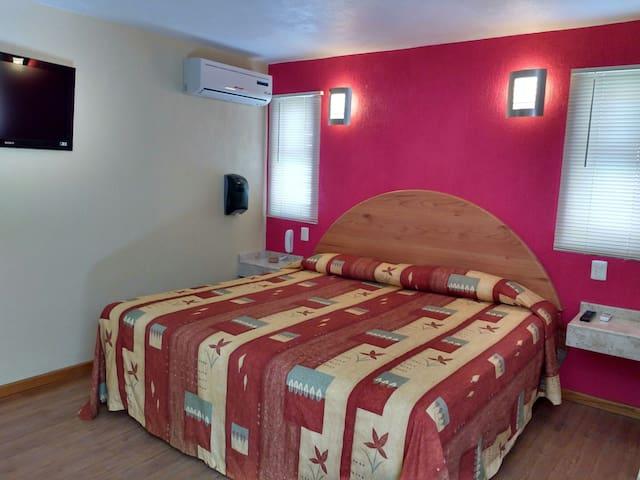 Habitación MUY LIMPIA en Motel