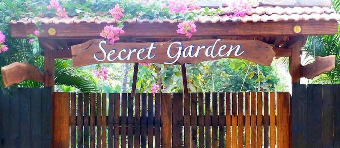 Secret Garden Resort 'Cabin 4'