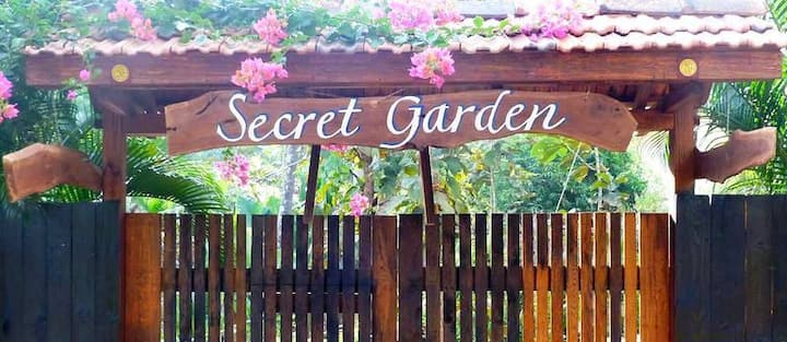"Secret Garden Resort ""Cabin 7"""