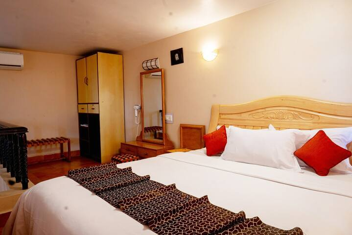 Grand Suite With Pool & Beach Front-Anjuna  ACR