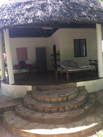 Sea Side Cottage ( Mbili)