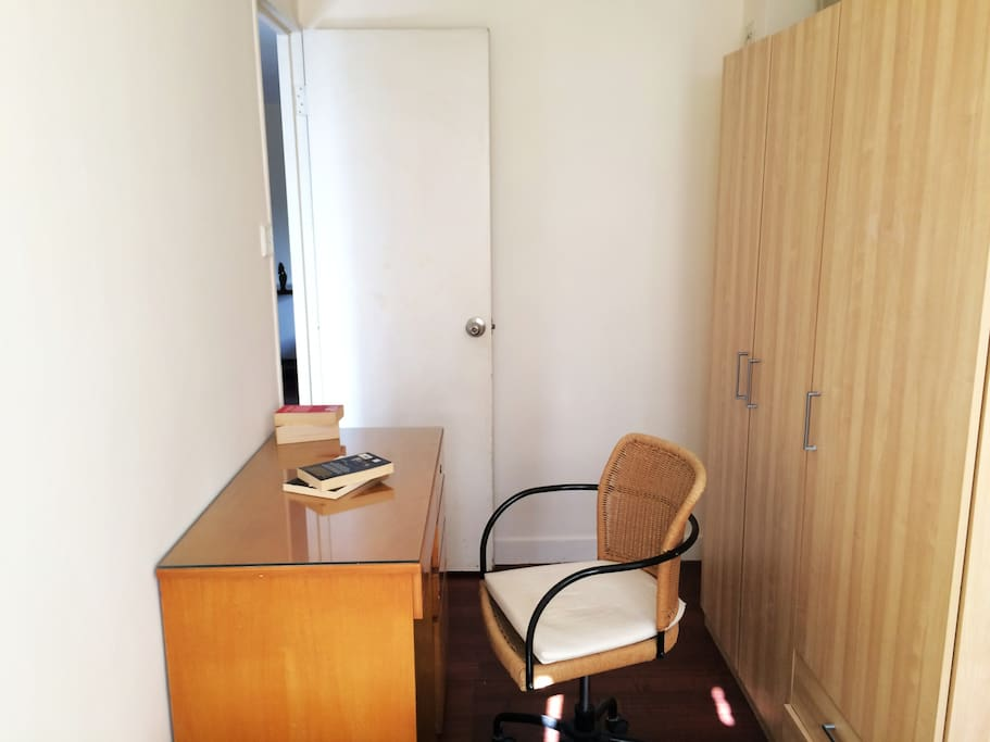 Single bedroom,working desk + wardrobe