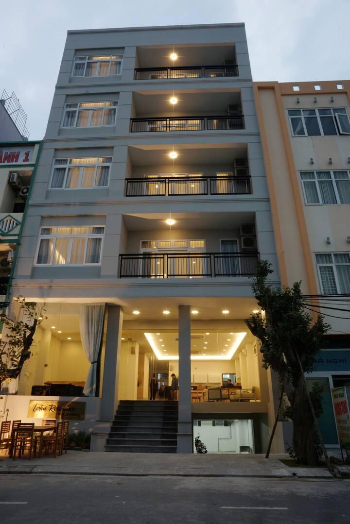 Serviced Apartment, 1 min walking to My Khe Beach