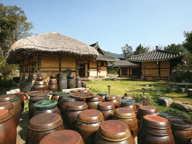 풍덕고택 사랑채, 외암마을의 한옥체험민박 - Songak-myeon, Asan-si - Huis
