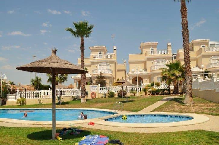 Nice Villa Punta Prima Torrevieja! - Orihuela - Villa