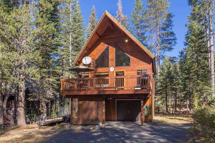 Cabin in the Woodlands - wonderland every season!