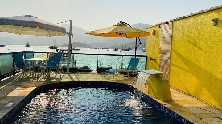Casa frente ao mar com pôr do sol em Angra