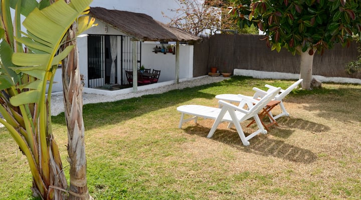 "House ""La Breña"" with garden. Sun, surf and relax."