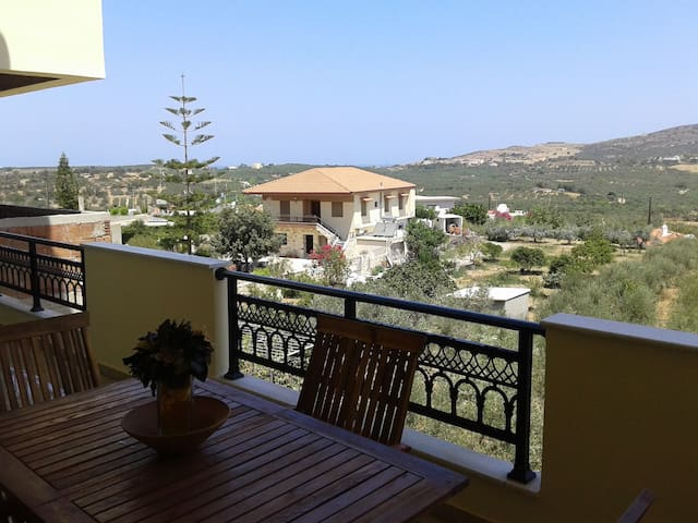 Relax and enjoy in Roumeli apartment - Mylopotamos - Lägenhet