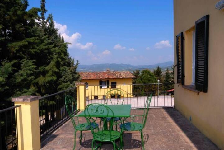 PRIVACY *** Casa con Terrazza Panoramica e Piscina