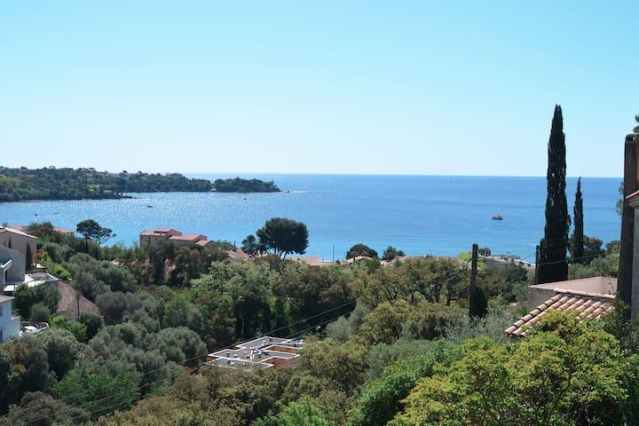 Cabanon vue Mer et Estérel - Saint-Raphaël - Huis