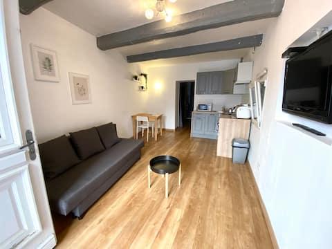 Appartement indépendant dans maison de village