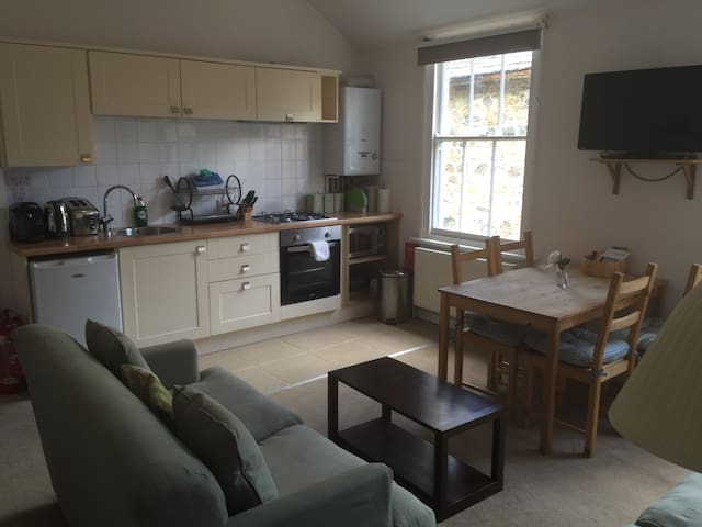Large two bedroom en-suite flat