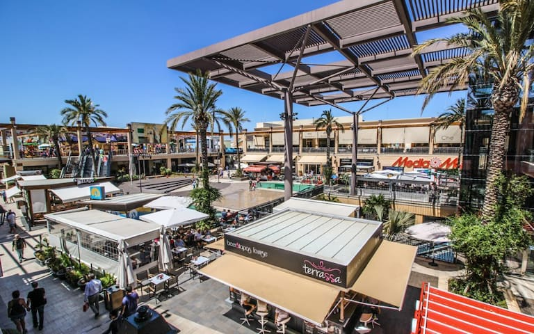 Zenia Boulevard - the largest shopping center on the Costa Blanca