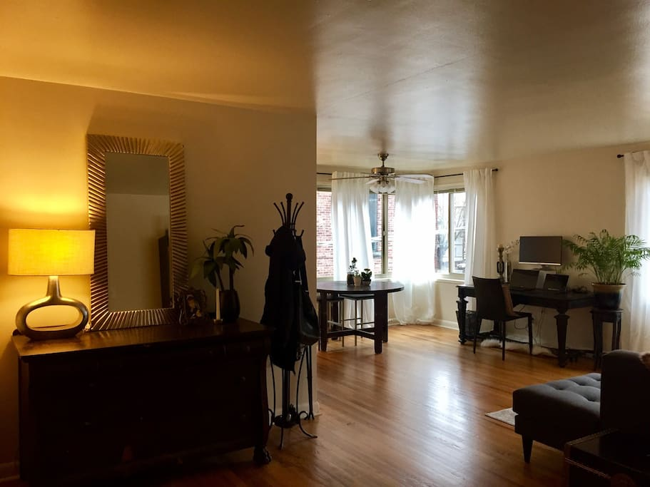 Spacious 1 Br Apartment W View Of Space Needle