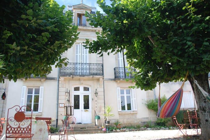 Maison de maître du 19éme siècle - Barbirey-sur-Ouche - Bed & Breakfast