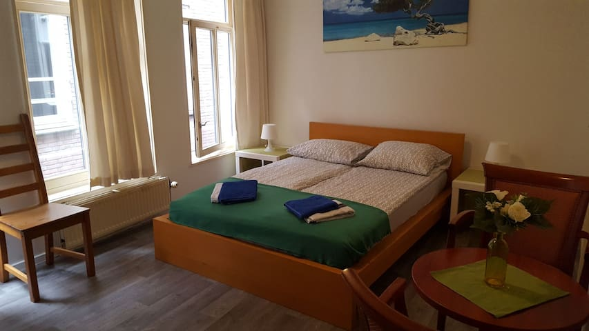 Private room 5min from Central Station