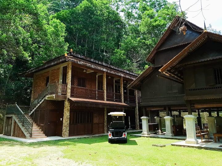 Puncak Rimba Annexe & Kuno House
