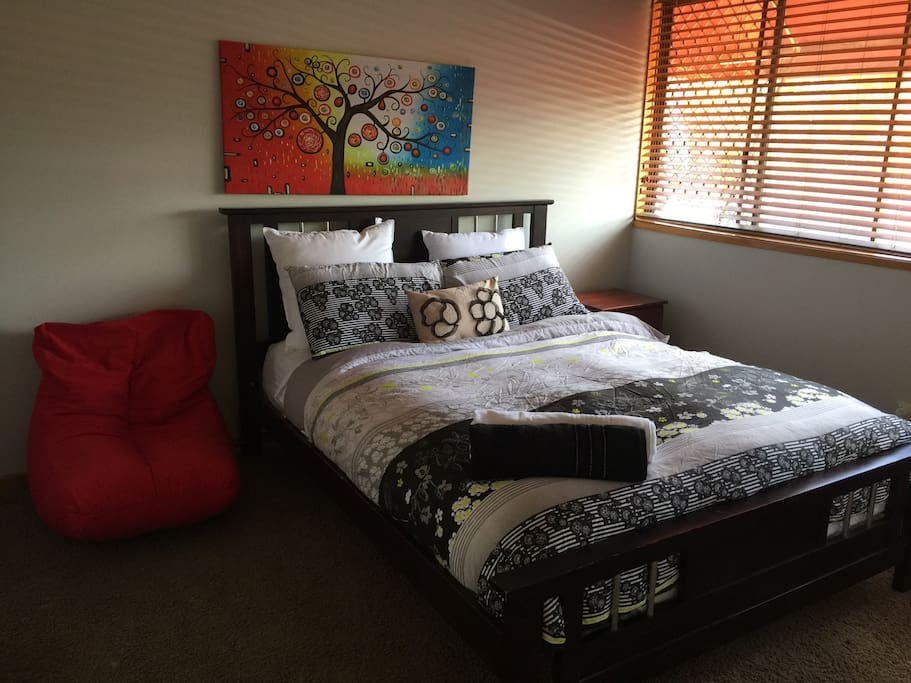 2nd Large Queen sized bed with walk in wardrobe.