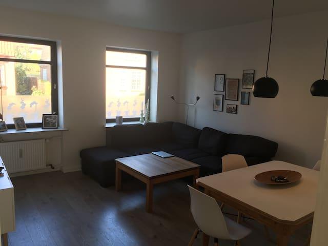 Lys og moderne lejlighed i hjertet af Sønderborg