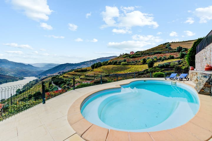 Villa with 3 bedrooms in Mesão Frio, with wonderful mountain view, private pool, furnished terrace - 93 km from the beach