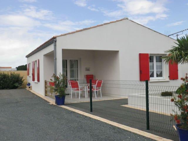 Maison agréable à 8 km La Rochelle/Ile de Ré - Marsilly