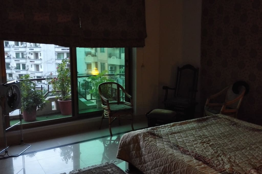 Bedroom with balcony ideal for morning coffee