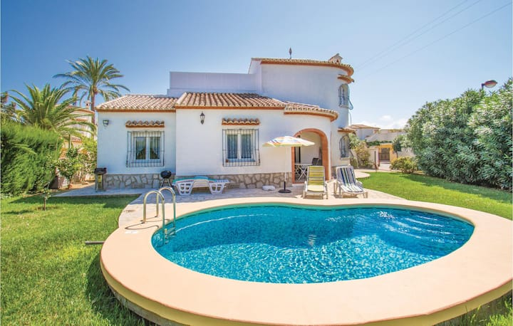 Beautiful home in Els Poblets with 3 Bedrooms