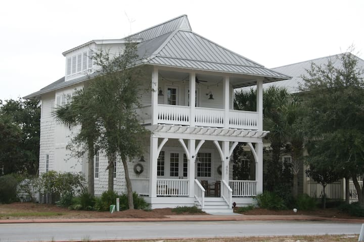The Frog and Pony 30A Westend and Destin