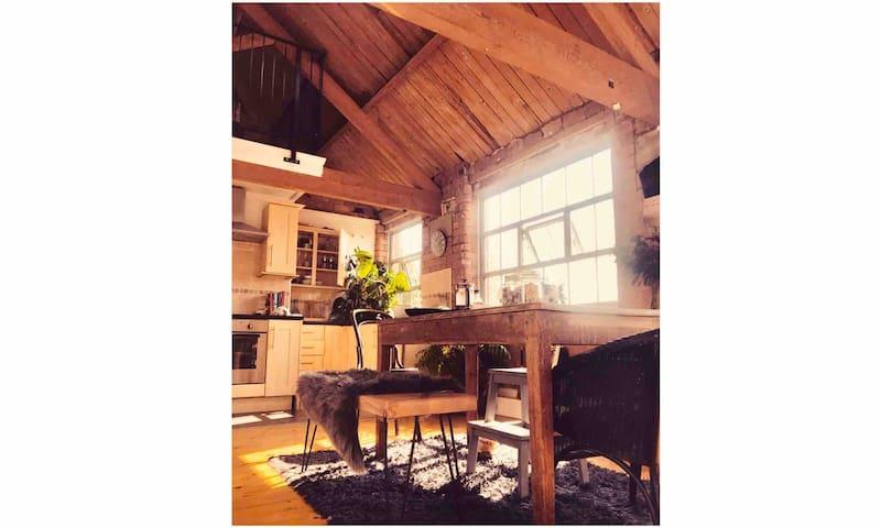 Loft Apartment with upstairs snug