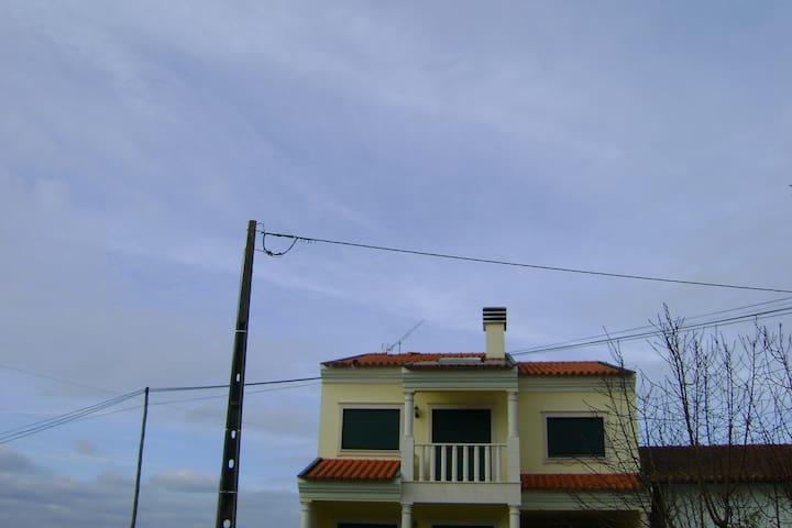 Quarto em aldeia tranquila - Bolho - House